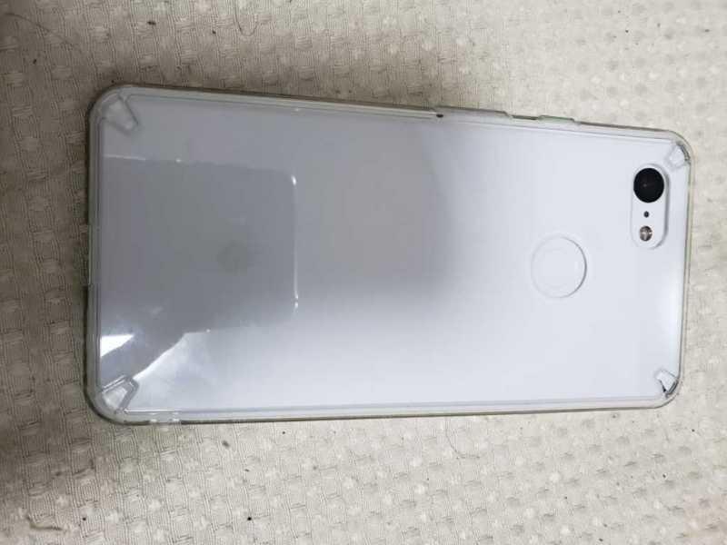 google pixel 3 XLスマートフォン(SIMフリー)の裏側