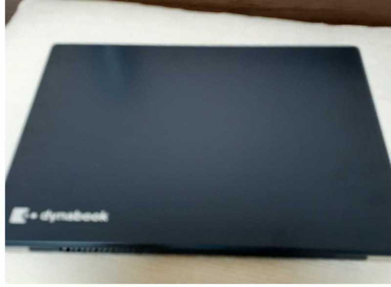 TOSHIBA Dynabook G6 P1G6JPBL 13インチ ノートパソコンを閉じている状態
