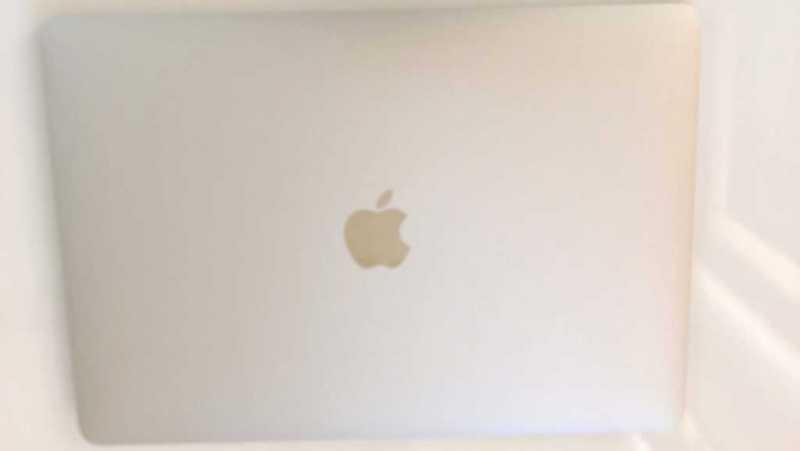 Apple MacBook Pro 13インチモデルTouch Barつき
