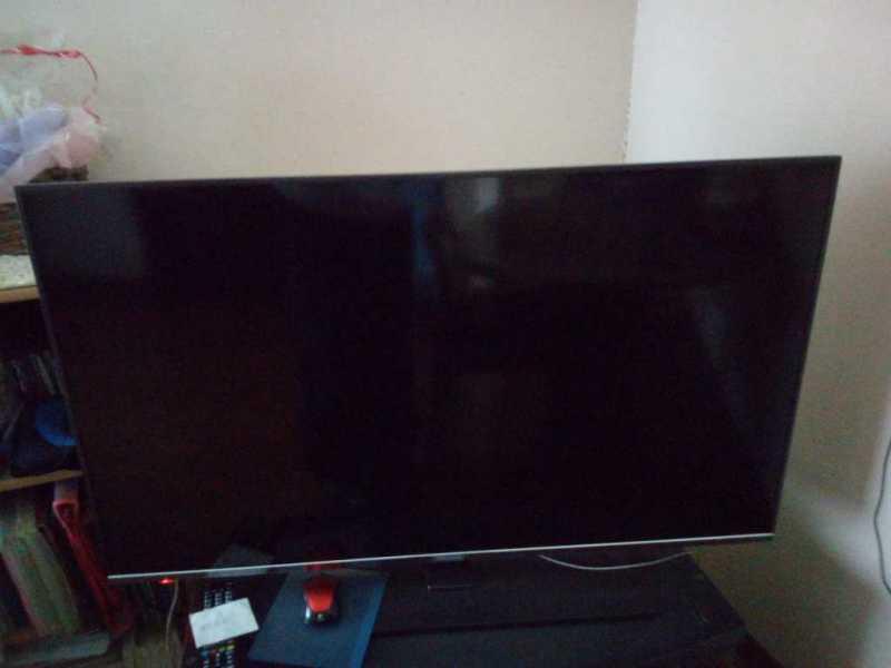 ハイセンス 50V型 50A6800液晶テレビの正面