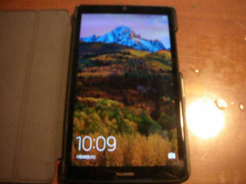 HUAWEI MediaPad T3 7タブレット本体のディスプレイ画面