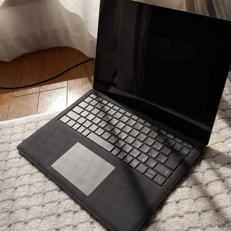 Microsoft Surface Laptop 2ノートパソコンのキーボード部分