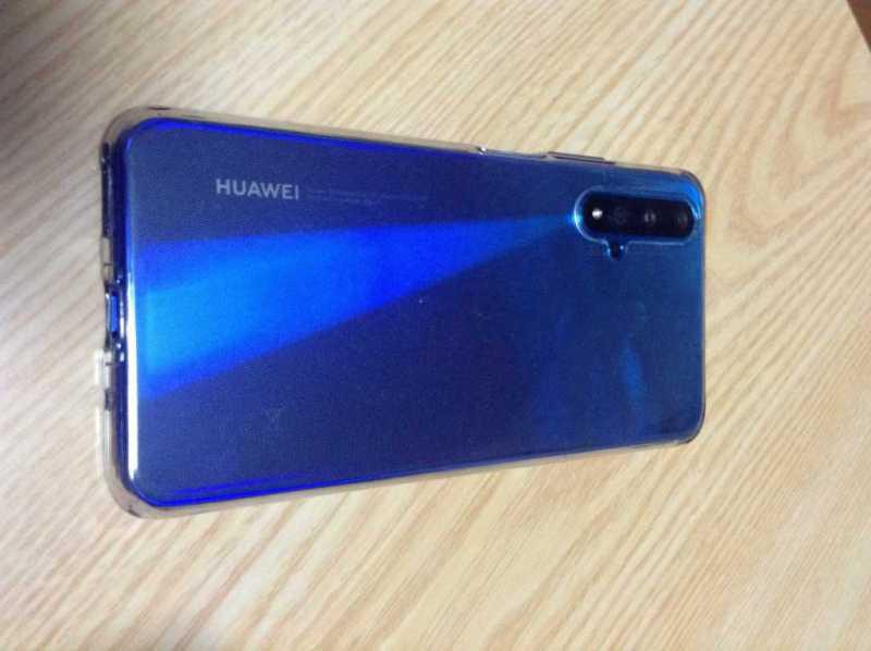 HUAWEI「nova 5T」|4万円代で最大4800万画素の4つのAIカメラ搭載