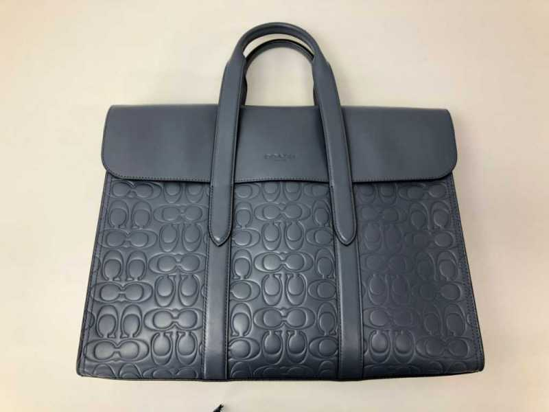 バッグ(COACH DFSのコラボ Metropolitan Portfolio In Signature Leather)