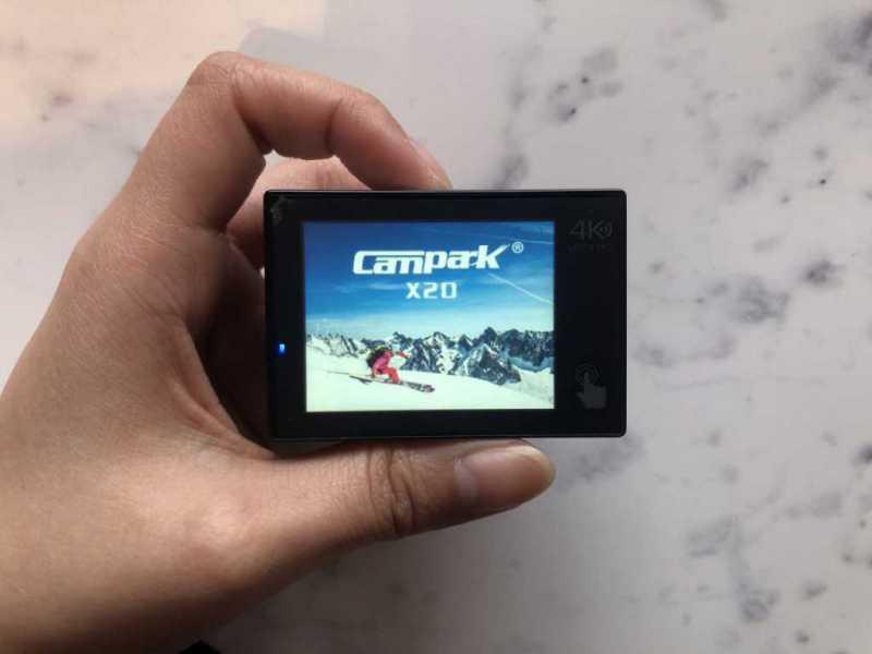Campark X20アクションカメラの液晶ディスプレイ画面