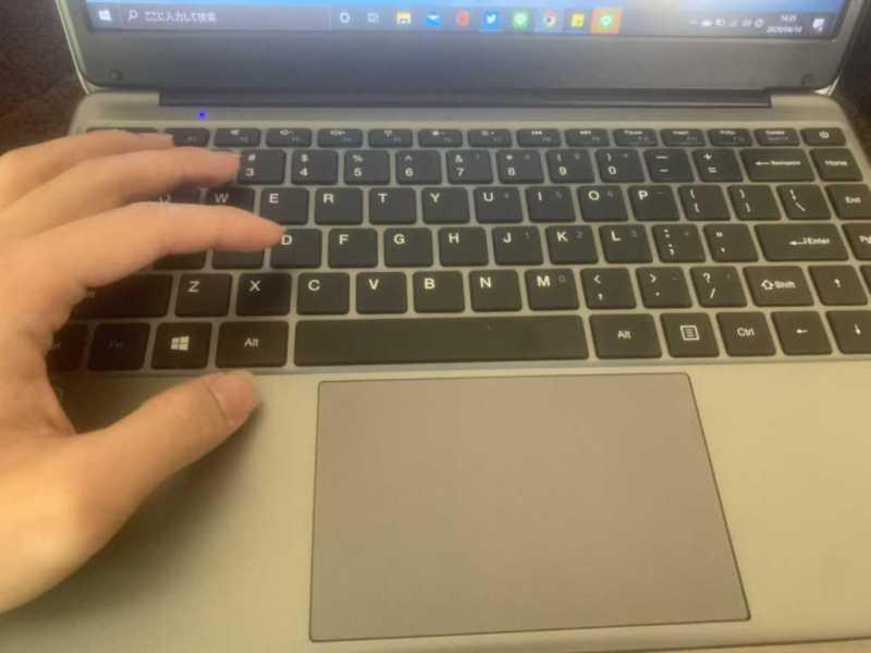 CHUWI Herobook 14.1インチノートパソコンのキーボード