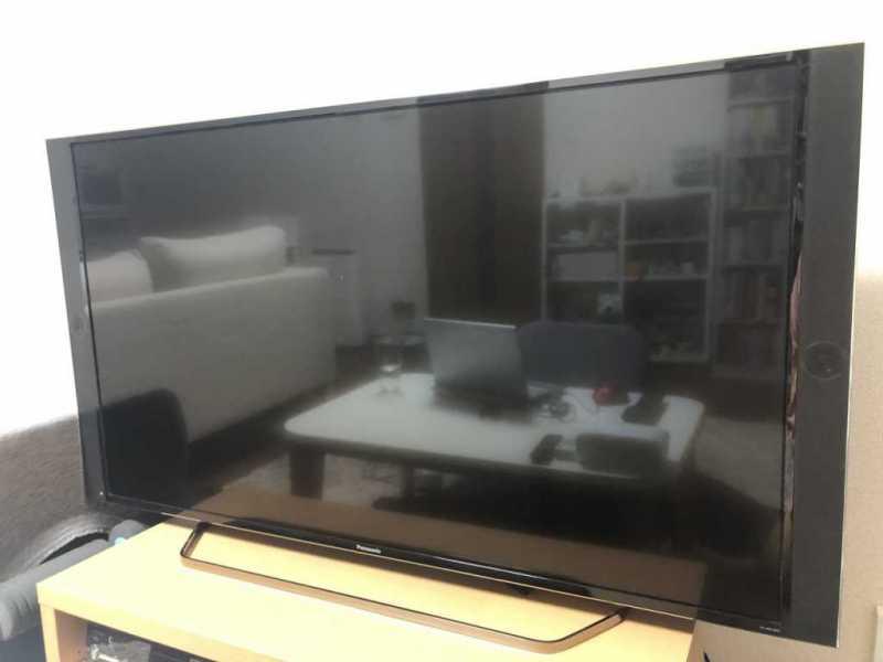 Panasonic TH-49EX850(49インチ)液晶テレビをテレビボードに置いたサイズ感