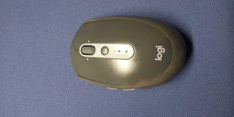 ロジクール M590 Multi-Device Silent Wireless Mouseマウス本体 width=