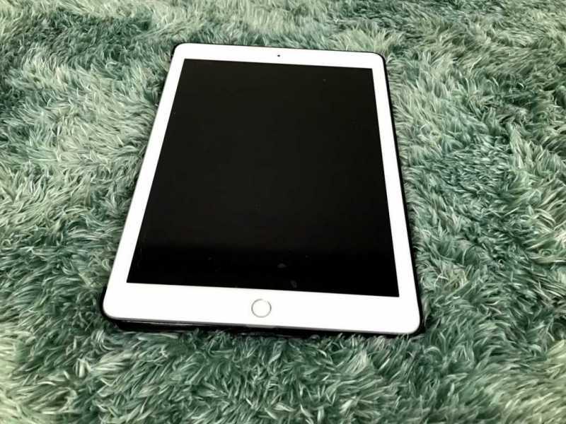 iPad 9.7インチ
