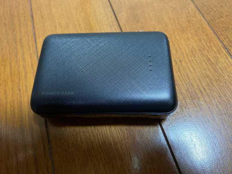 モバイルバッテリー:3coins Mobile