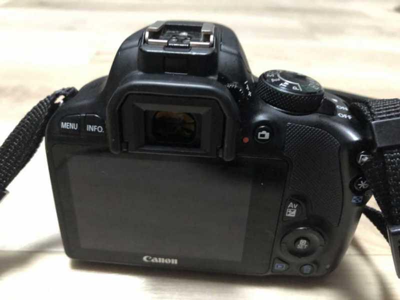 キャノン EOS Kiss X7デジタルカメラの液晶モニター