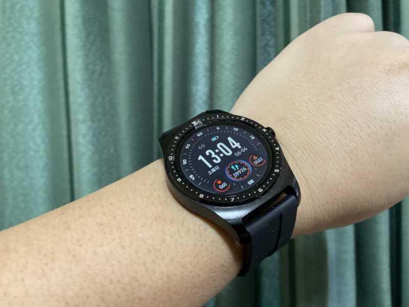 Bearoam F10Cスマートウォッチの時計表示