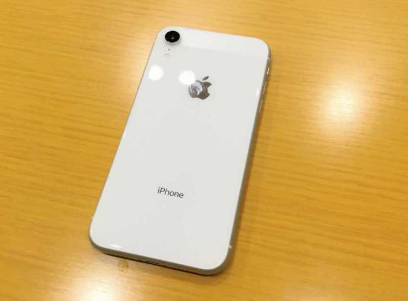 スマートフォン:iPhoneXR(64GB)