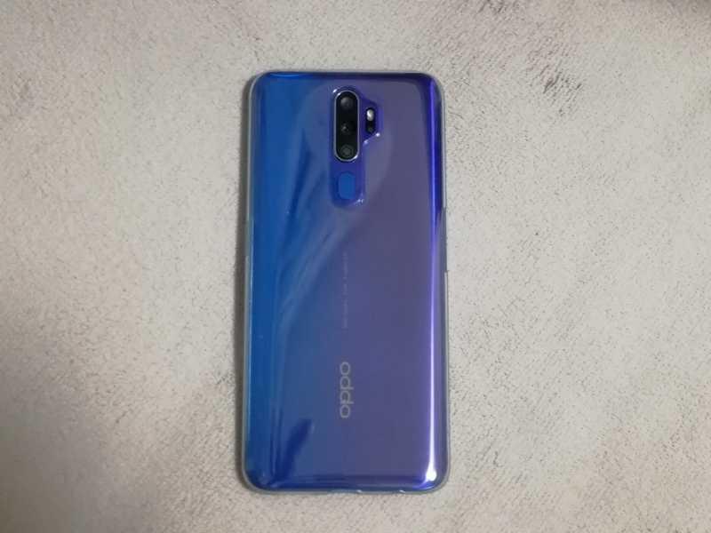 OPPO A5 (2020)スマートフォン(SIMフリー)の裏側