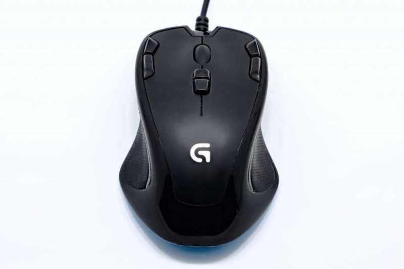 ロジクール G300sゲーミングマウスの本体
