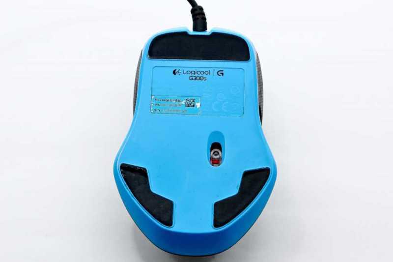 ロジクール G300sゲーミングマウスの裏側のセンサー部分