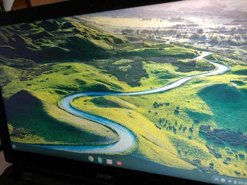 Acer Chromebook 15 CB3ノートパソコンのディスプレイ画面