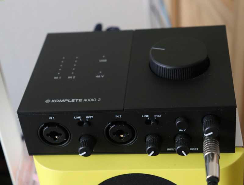 オーディオIF:Native Instruments KOMPLETE AUDIO 2