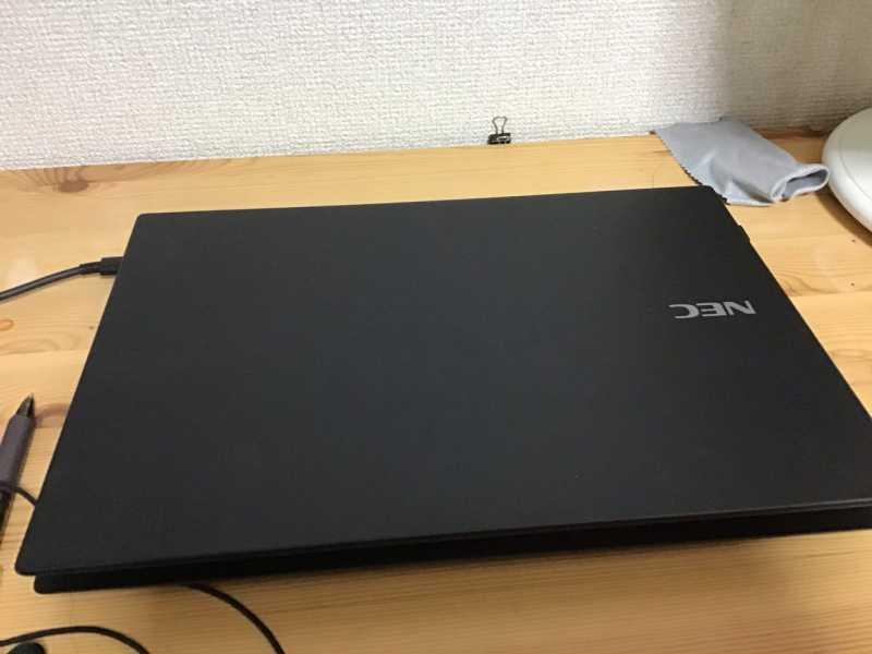 LAVIE Direct Pro Mobile(X) PC-GN164ZEDGノートパソコンのサイズ