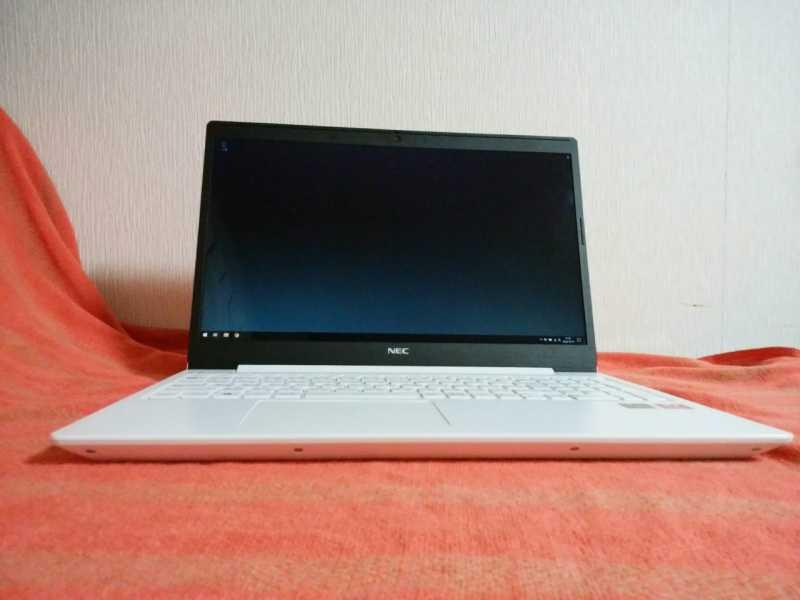 NEC LAVIE Note Standard NS600/RAW(PC-NS600NAW2)ノートパソコンの液晶ディスプレイとキーボード