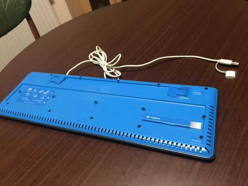 ロジクール Washable Keyboard K310キーボードの裏側