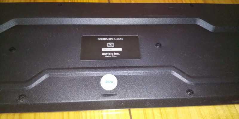 BUFFALO BSKBU325BKキーボードの底面