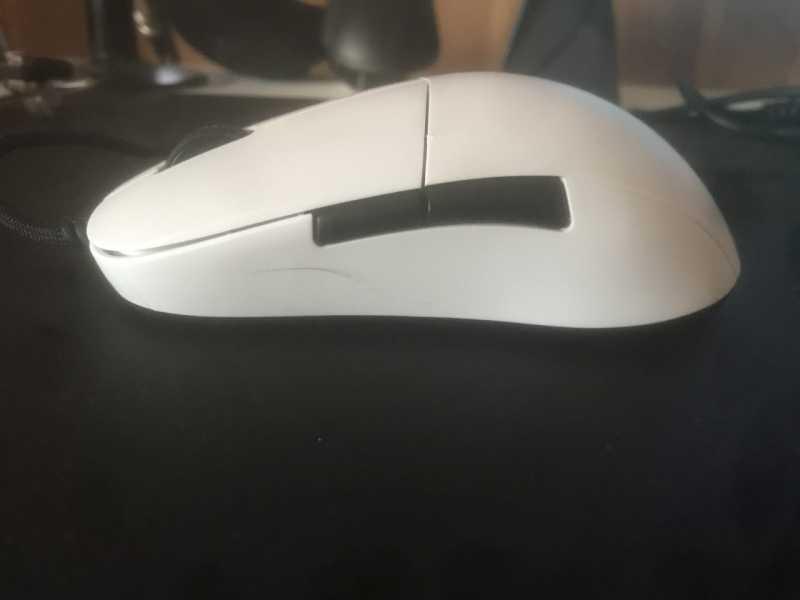 ENDGAME GEAR XM1ゲーミングマウスのサイドボタン
