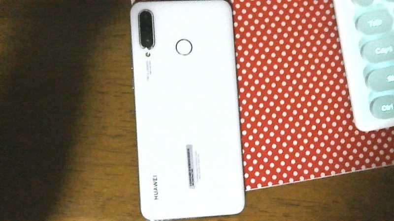 HUAWEI P30 liteスマートフォン(SIMフリー)の背面