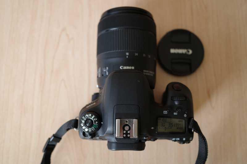 CANON EOS 9000Dデジタルカメラのシャッターボタン