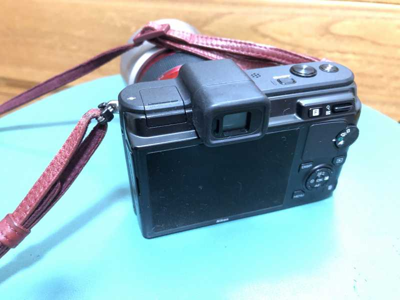 Nikon 1 V1デジタルカメラの液晶ディスプレイ