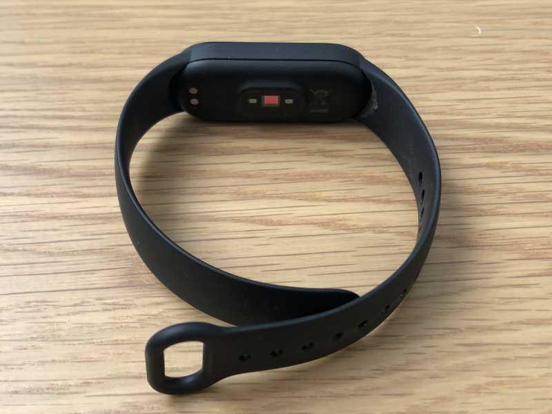 Xiaomi Mi Band 5スマートウォッチのセンサー部分