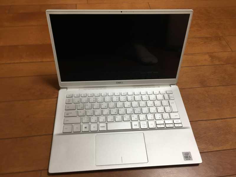 DELL Inspiron 13 7000 (7391)ノートパソコンの液晶ディスプレイとキーボード