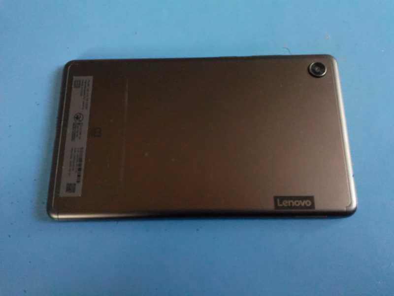 Lenovo Tab M7タブレットの背面