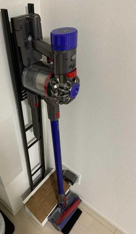 Dyson V7 Slim (SV11 SLM)コードレス掃除機のサイズ感