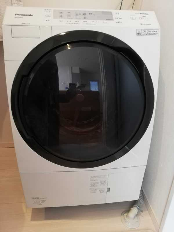 Panasonic NA-VX300ALドラム式洗濯乾燥機のサイズ