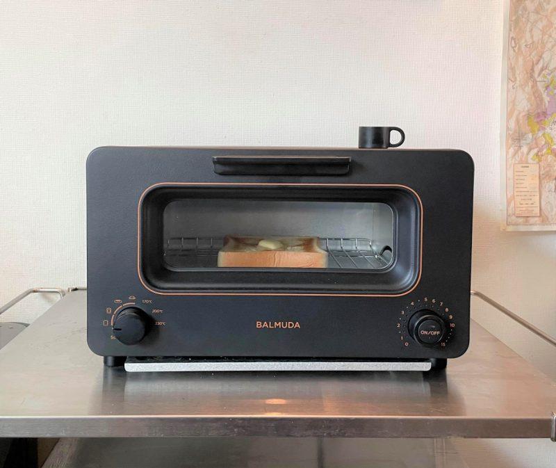 バルミューダ The Toaster K05Aオーブントースターでトーストを焼く