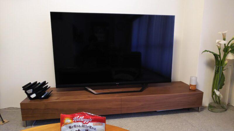 ハイセンス 65U8F液晶テレビのディスプレイ
