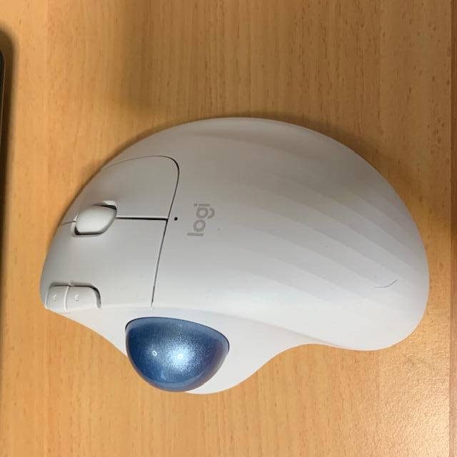 ロジクール ERGO M575マウスのトラックボール