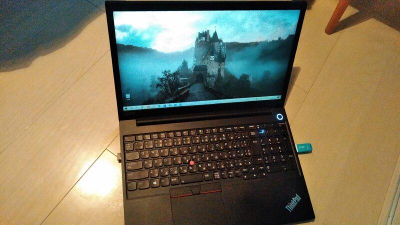 Lenovo ThinkPad E15 Gen 2 (第11世代インテル) ノートパソコンの液晶ディスプレイ