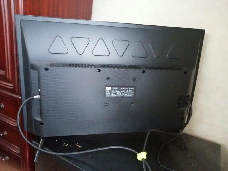 TCL 32S515 [32インチ]液晶テレビの裏側